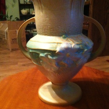 Roseville Cosmos - Art Pottery