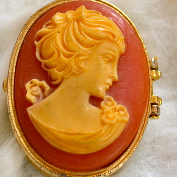 BEST CAMEO TRINKET BOX I'VE FOUND  - Victorian Era