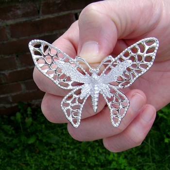 Sarah Coventry Brooch - Madame Butterfly