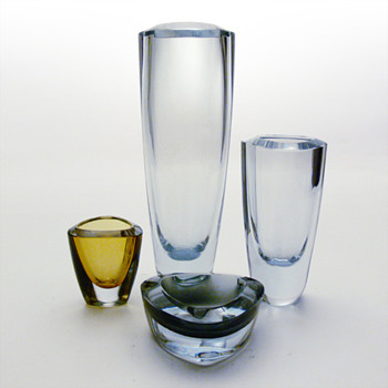 Strmbergshytan items from the same range: vases, cigarette holder and ashtray