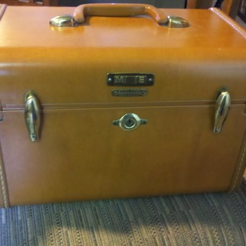 1953 Samsonite Train Case