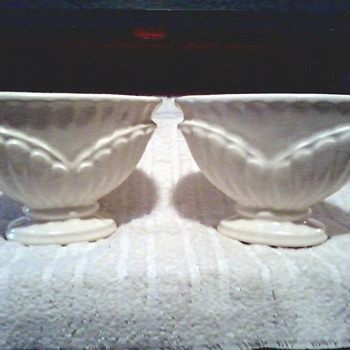 Pair of Contemporary Ivory Haeger Vases / Nice Vintage Design # 709-36 / Circa 2004 - Pottery