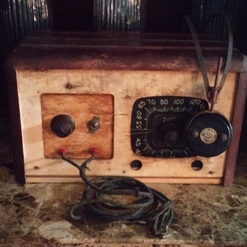 Early Model Zenith Radio