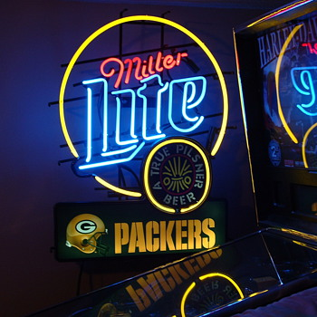 Huge vintage Miller Lite Packers sign - Breweriana