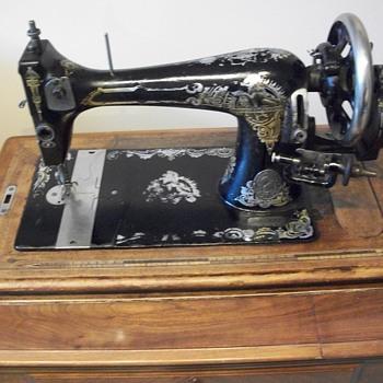 Old ???crank machine - Sewing