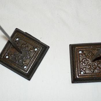 Desk paper holders