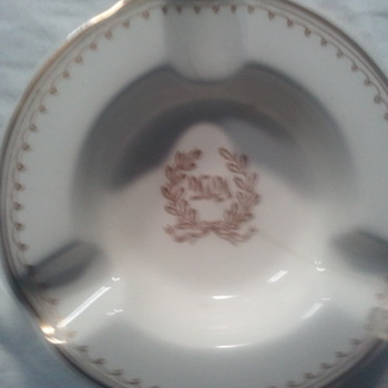Lamberton Scammell Ivory Ashtray for Waldorf-Astoria NY - Tobacciana