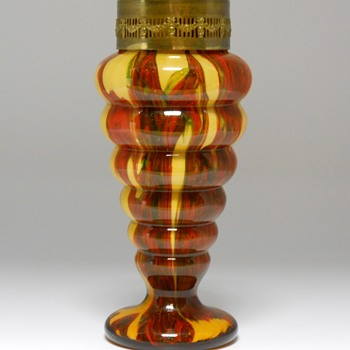 Bohemian ribbed vase with flower frog, Circa 1920-30 - Art Glass