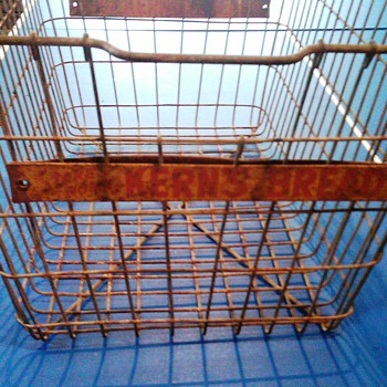 Kerns Bread wire basket - Advertising