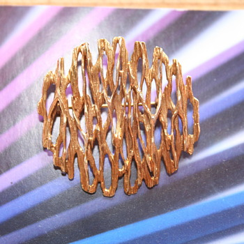 Favorite item of the Week! A Fred Ullman 375 gold Brooch dated 1967