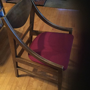 Neat mid century chair! - Furniture