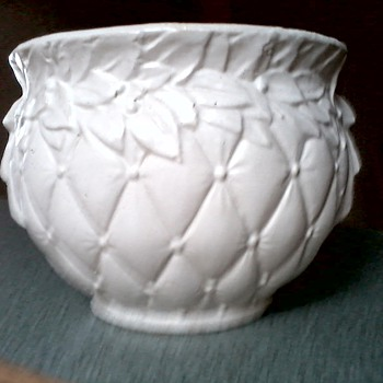 Incredible McCoy Matte White Diamond Quilt Pattern Jardiniere #48  / Circa 1950's or earlier