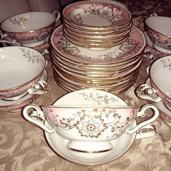 Love this Royal Tettau China Set!