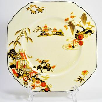 "WEDGWOOD & CO. LTD ""PAGODA"" - ENGLAND  - China and Dinnerware"