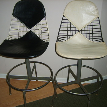 2 origiinal Herman Miller Bikini Leather Drafting Chairs