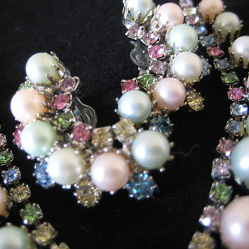 Faux pearl and rhinestone necklace, bracelet and clip earrings