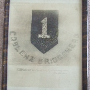"WW1 1st Infantry Division Patch ""Living"" photograph c. 1919 - Military and Wartime"