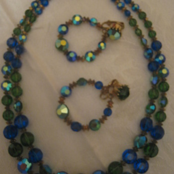 Vintage Hobe Necklace/Earrings