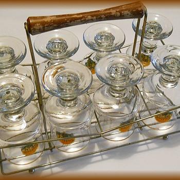 Barware Glasses with Metal Caddy -- Retro !! - Glassware