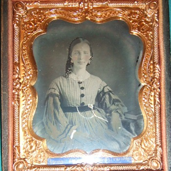 Ruby ambrotype of a beautiful woman - Photographs
