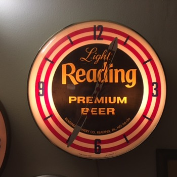 Light Reading Premium Beer Clock