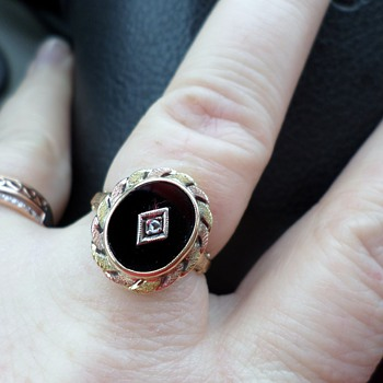 antique, art deco?  gold, black onyx ring. - Fine Jewelry