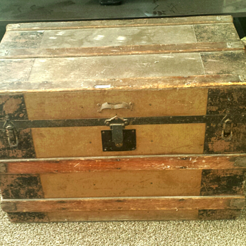 GEM CITY TRUNK CO. W. L. BOWLES 1898 signature - Furniture