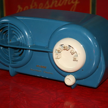 Northern Electric bakelite radio