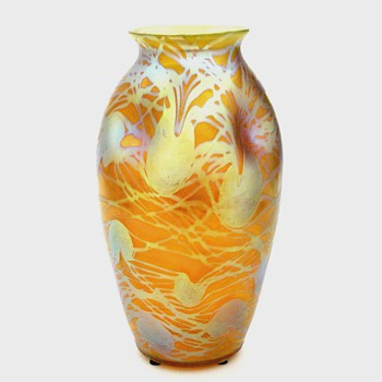 A 7 inch Loetz vase - Art Glass