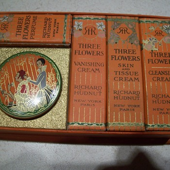 CIRCA 1915 THREE FLOWERS ACQUAINTANCE PACKAGE