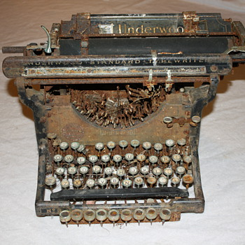 Underwood No. 3 Typewriter - Office