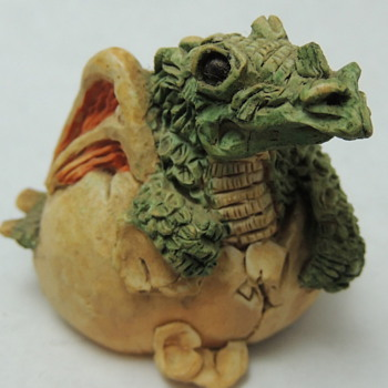 Hatching Dragon - STONE CRITTER LITTLES - Animals