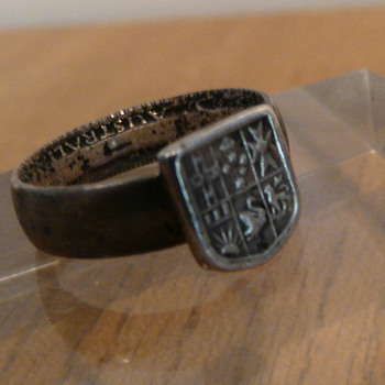 DAD&#039;S PINKY FLORIN RING