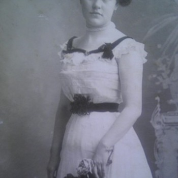 Great Great grandma Louise Roehl-Foelske (Early 1900's)