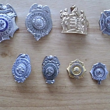 Police and fire police badges - Medals Pins and Badges
