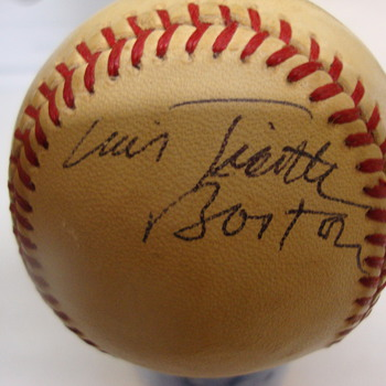 Luis Tiant signed baseball - Baseball