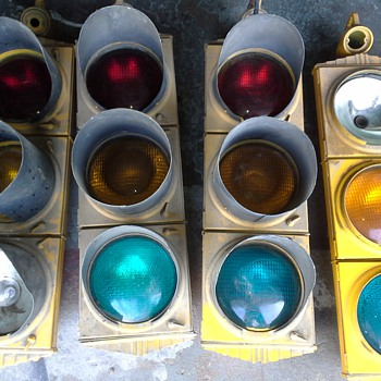 VINTAGE 1940's (CROUSE HINDS TRAFFIC SIGNALS)