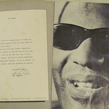 "RAY CHARLES  ""LIGHT OUT OF DARKNESS"" CONCERT TOUR PROGRAM - Music Memorabilia"