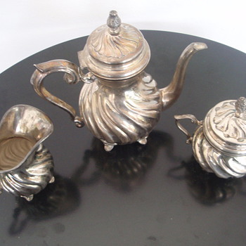 E Zolotas signed Teapot, Sugar &amp; Creamer 