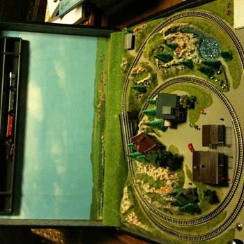 Marklin z- guage briefcase train set