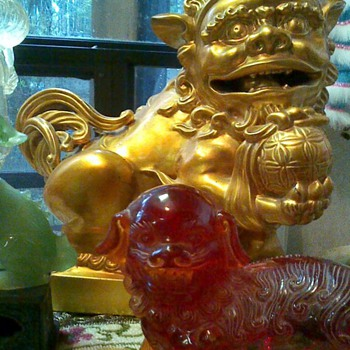 Gold pair of foo dogs  - Asian