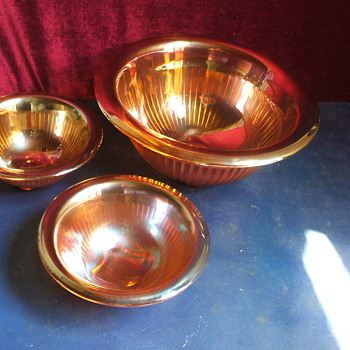 "3 beautiful iridescent marigold smooth ray bowls 1=12"", 2=7"", Imperial?looking for info. - Glassware"