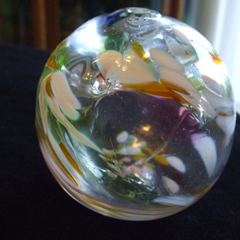 I'm attracted to STRANGE STUFF- Like this Signed Ball- Any Help Appreciated! - Art Glass