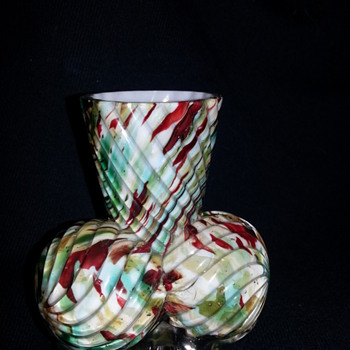 Welz Ribbed Ball Feet Vase?