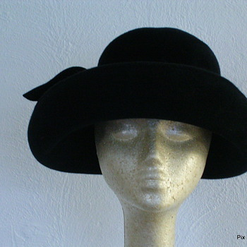 1990s Stephen Jones Black Hat - Hats