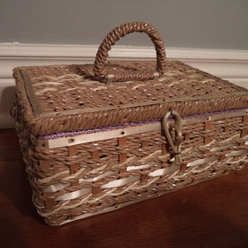 Vintage Dritz Woven Sewing Basket #7022