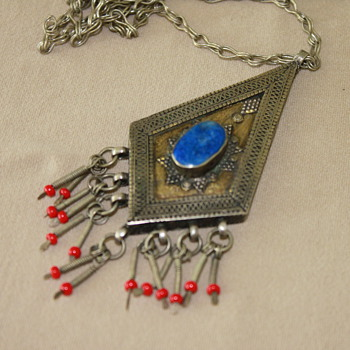 Beautiful Silver Pendant with Lapis Stone