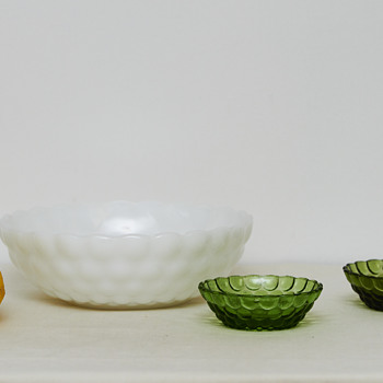 Bubble Pattern Glass Bowls