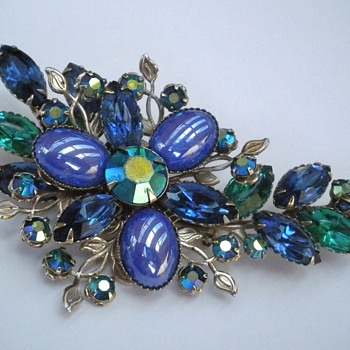 Pretty Rhinestone Jewellery - Costume Jewelry