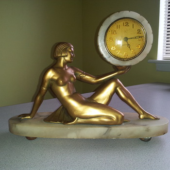 Mystery New Haven mantle clock...